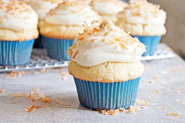 Coconut cupcake-a