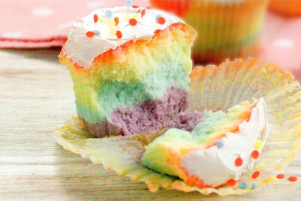 Rainbow cupcakes-a
