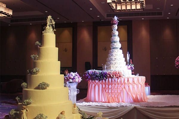 Why wedding cake Why high, why not delicious