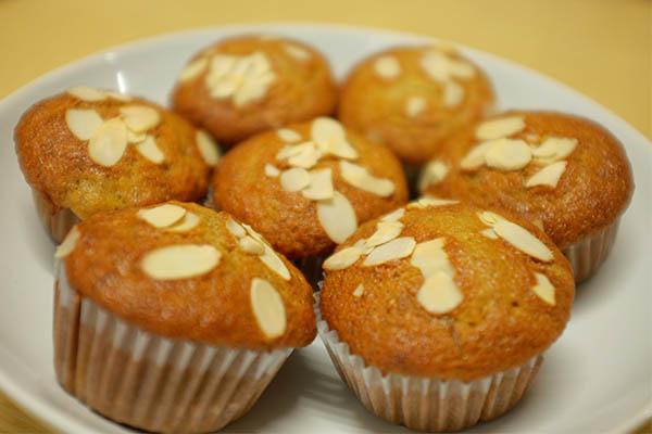 How to Make Banana Cake Deliciousness