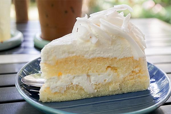 Fresh coconut cream cake