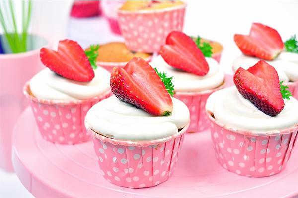 Strawberry cupcake-a