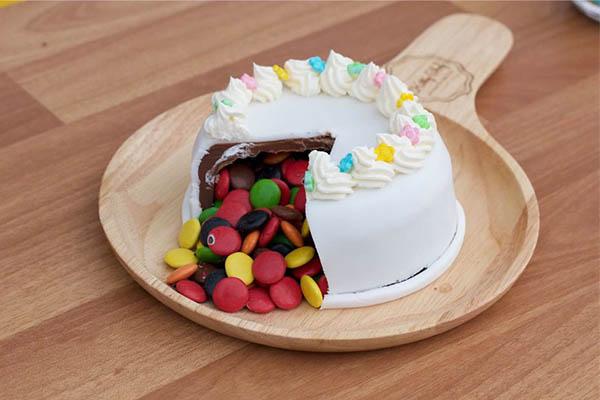 Chocolate Fondue Cake